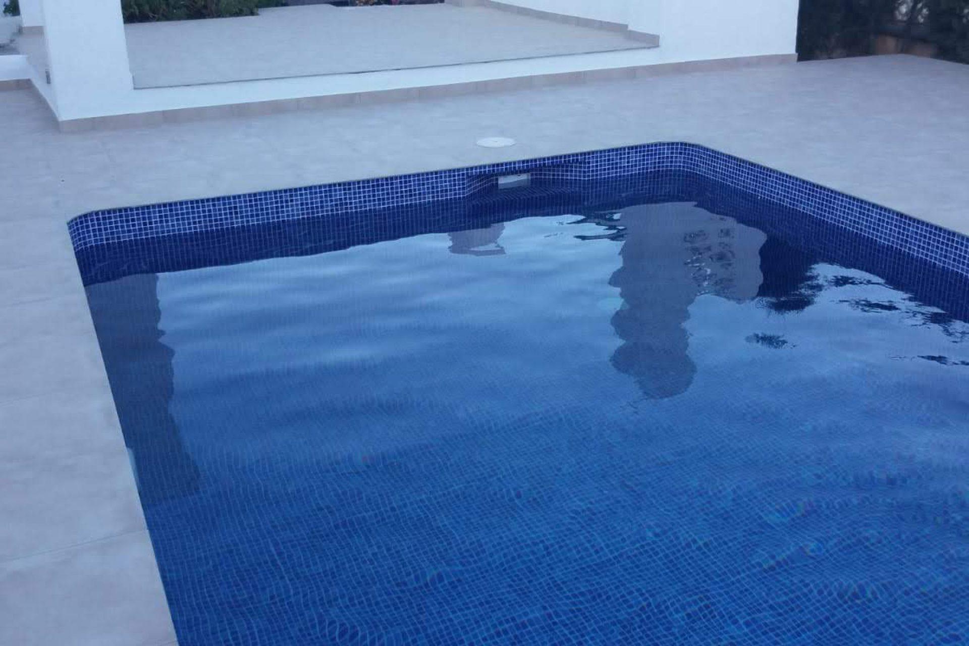 Construcción piscina obra en Calpe